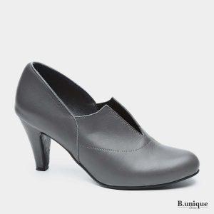 דגם ויקי: נעלי עקב בצבע אפור