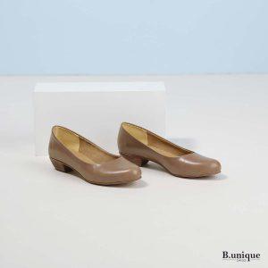 דגם אפי: נעלי בובה בצבע בטון