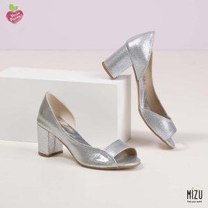 בלעדי לאתר - דגם ליליאן: נעליים בצבע כסף