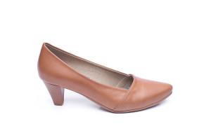 דגם זוהר: נעלי סירה בצבע קאמל