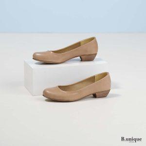 דגם אפי: נעלי בובה בצבע גוף