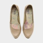 דגם בר: נעלי בובה בצבע קאמל