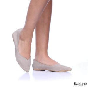דגם מיכל: נעלי בובה בצבע טאופ
