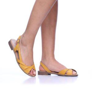 172052 - סנדלים ברצלונה בצבע צהוב