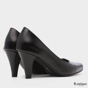 דגם לונדון: נעלי עקב בצבע שחור