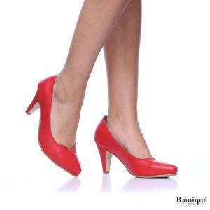 דגם לונדון: נעלי עקב בצבע אדום