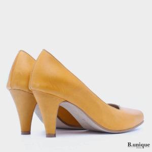 דגם לונדון: נעלי עקב בצבע צהוב
