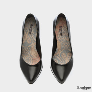דגם קיישה: נעלי סירה בצבע שחור