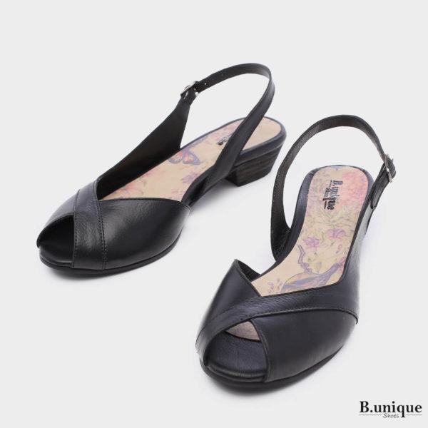 173067 - סנדלים בנברי בצבע שחור