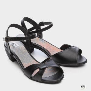 474051 - סנדלים קואנקה בצבע שחור