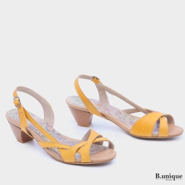 174018 - סנדלים קורה בצבע צהוב