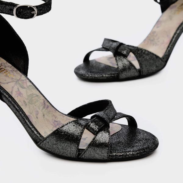 177557 - סנדלי עקב קאן בצבע שחור מנצנץ