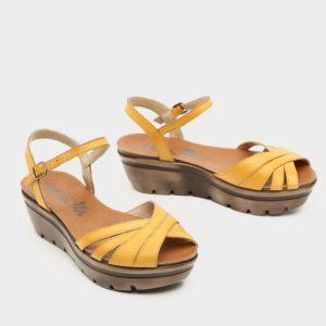 בלעדי לאתר: 375030 - סנדלי פלטפורמה ג'ונו בצבע צהוב