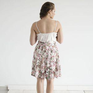חצאית ריזורט – פרחים ורודים