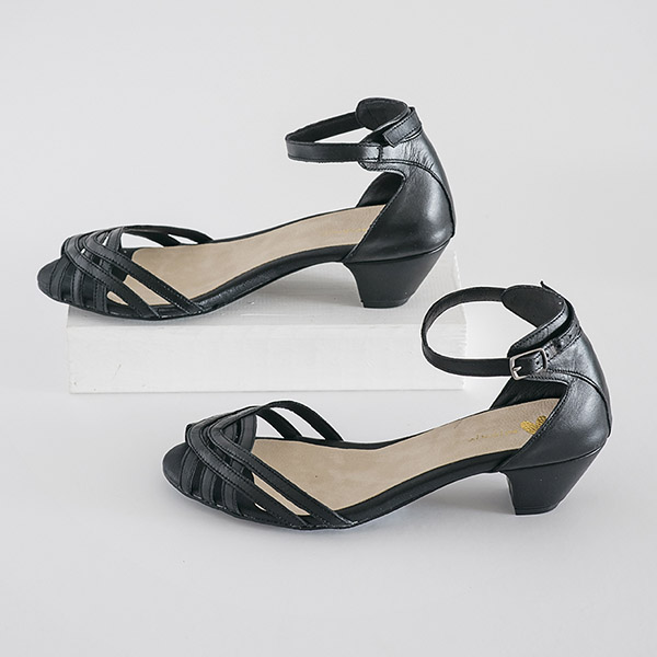 3855 - סנדלי אשטון בצבע שחור