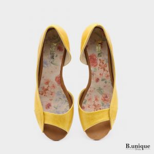 174011 - סנדלים טוקיו בצבע צהוב