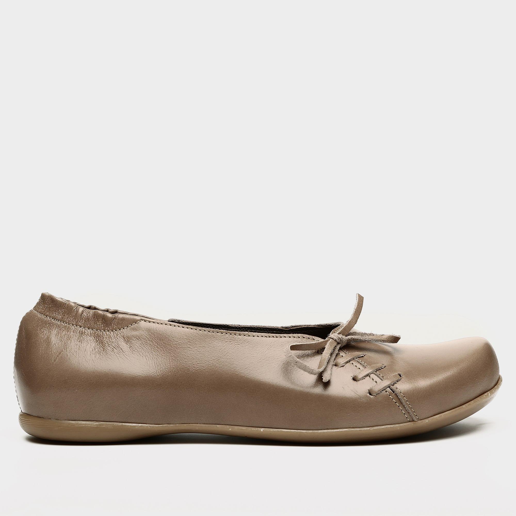 דגם ירין: נעלי בובה בצבע נס קפה