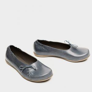 דגם ירין: נעלי בובה בצבע ג'ינס