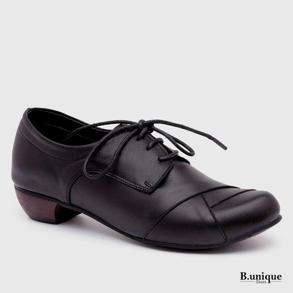 דגם איימי: נעליים בצבע שחור
