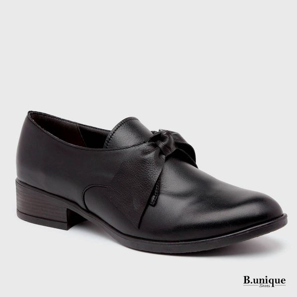 דגם קרלי: נעליים בצבע שחור