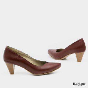 דגם לילי: נעלי עקב בצבע בורדו