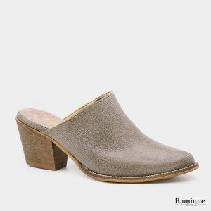 דגם וירג'יניה: נעלי עקב בצבע טאופ