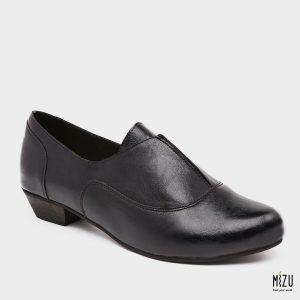 דגם אגוסטינה: נעליים בצבע שחור