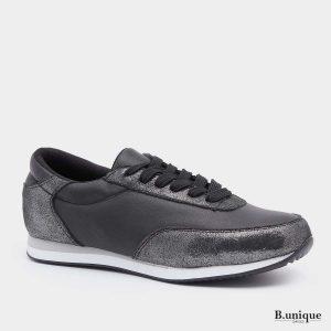 דגם ניקולט: נעליים בצבע שחור