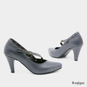 דגם בטי: נעלי עקב בצבע ג'ינס