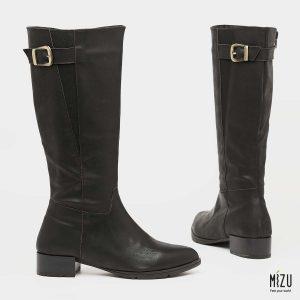 בלעדי לאתר - דגם מלווינה: מגפיים בצבע שחור