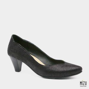 דגם ונוס: נעלי עקב טבעוניות בצבע שחור