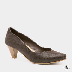 דגם ונוס: נעלי עקב טבעוניות בצבע חום