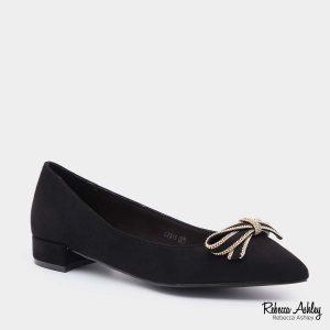 דגם זורה: נעליים בצבע שחור