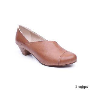 נעל בובה אסימטרית  בצבע קאמל- 174113