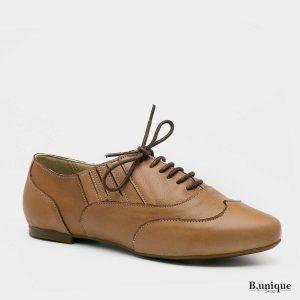 דגם שושנה: נעליים סגורות בצבע קאמל