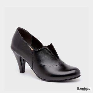 דגם ויקי: נעלי עקב בצבע שחור