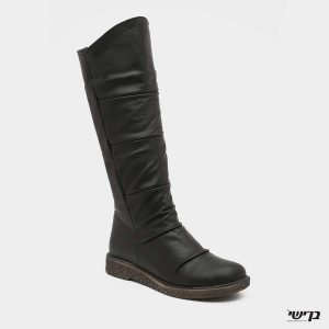 דגם גלי: מגפיים בצבע שחור