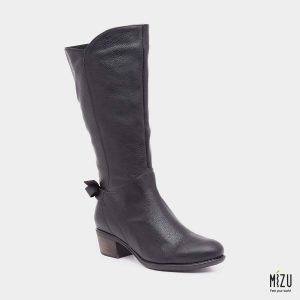 דגם סול: מגפיים בצבע שחור