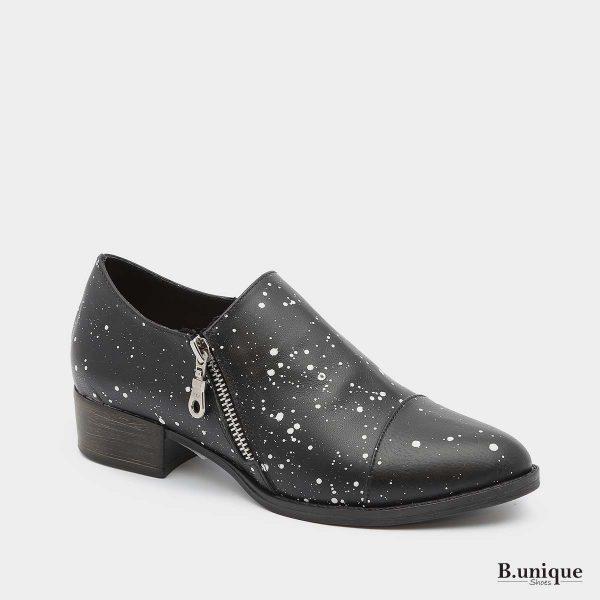 דגם מנדי: נעליים בצבע שחור מנוקד