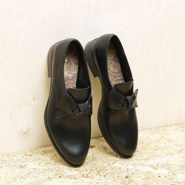 בלעדי לאתר - דגם קרלי: נעליים בצבע שחור – B.unique