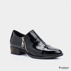 דגם מנדי: נעליים בצבע שחור לק