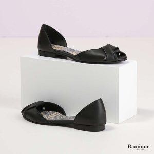 דגם קרולין: נעליים בצבע שחור