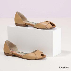 דגם קרולין: נעליים בצבע קאמל