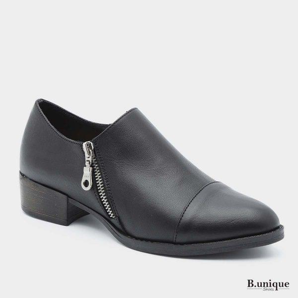 דגם מנדי: נעליים בצבע שחור