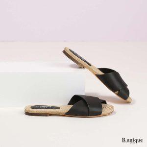 דגם מרלי: סנדלים בצבע שחור