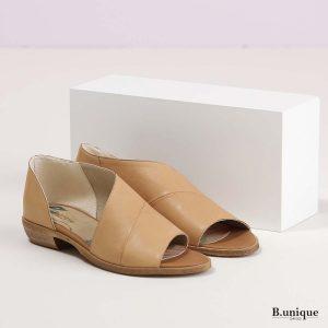 דגם מלני: נעליים בצבע קאמל