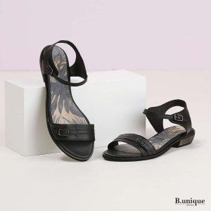 דגם אוברי: סנדלים בצבע שחור