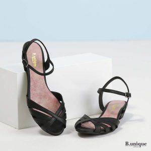 דגם קלואי: סנדלים בצבע שחור
