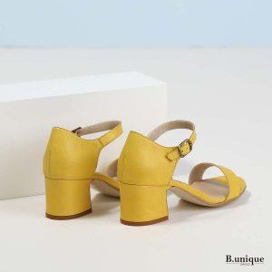 דגם קתרינה: סנדלי עקב בצבע צהוב