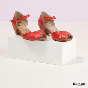 דגם אמילי: סנדלים בצבע אדום